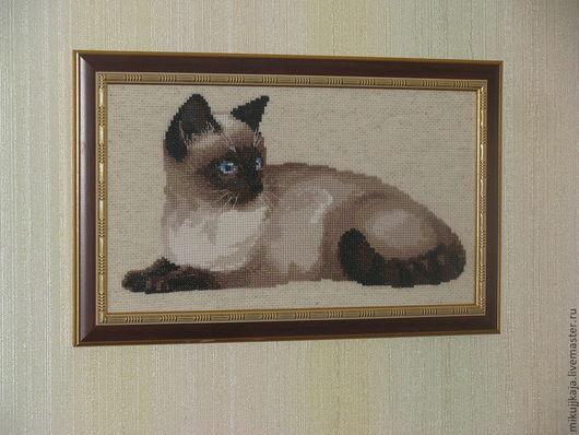 """Животные ручной работы. Ярмарка Мастеров - ручная работа. Купить Картина """"Кошка"""" . Выполнена по дизайну фирмы Риолис.. Handmade. Вышивка"""