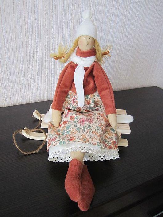 Куклы Тильды ручной работы. Ярмарка Мастеров - ручная работа. Купить Оленька на саночках. Handmade. Текстильная кукла, подарок на новый год