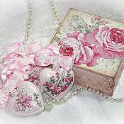 """Подарки к праздникам ручной работы. Ярмарка Мастеров - ручная работа """"Шебби розы"""" набор игрушек в шкатулке. Handmade."""