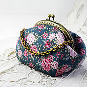 Сумки и аксессуары handmade. Livemaster - original item Cosmetic Bag with Clasp, Tea Roses. Handmade.