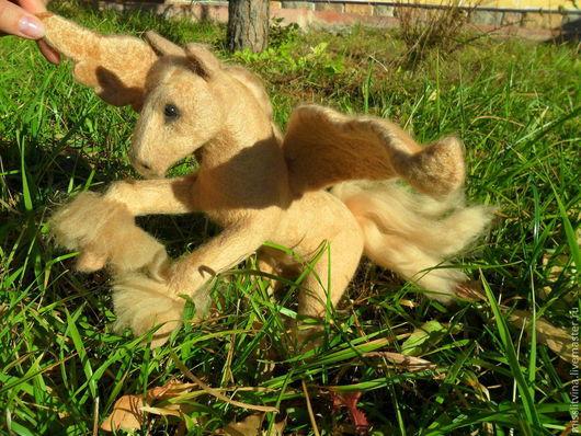 Игрушки животные, ручной работы. Ярмарка Мастеров - ручная работа. Купить лошадь пегас. Handmade. Бежевый, подарок к Новому году