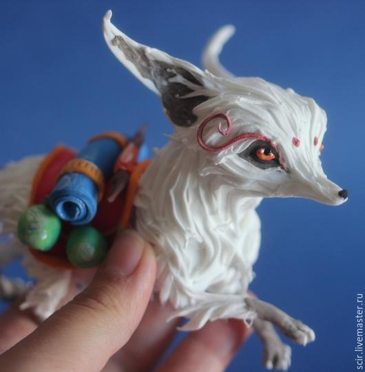 """Игрушки животные, ручной работы. Ярмарка Мастеров - ручная работа. Купить фигурка """"белая лиса"""" (курьер из доты 2). Handmade."""
