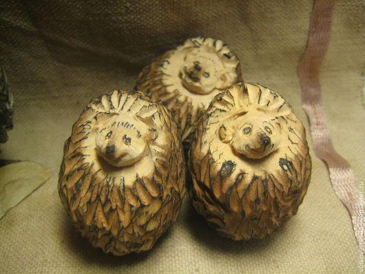 Игрушки животные, ручной работы. Ярмарка Мастеров - ручная работа. Купить ежик(мал.)-резьба по дереву. Handmade. Ежик, подарок