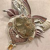 """Украшения ручной работы. Ярмарка Мастеров - ручная работа Колье из кожи """"Полёт бабочки"""" с кристаллами кварца. Handmade."""