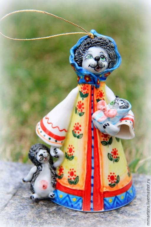"""Колокольчики ручной работы. Ярмарка Мастеров - ручная работа. Купить Колокольчик фарфоровый """"Мама Ежиха"""". Handmade. Разноцветный, ежик, ребенок"""