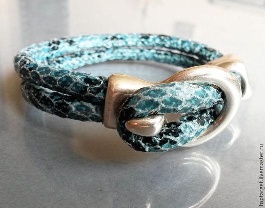 """Браслеты ручной работы. Ярмарка Мастеров - ручная работа. Купить Кожаный браслет """"Голубая змея"""". Handmade. Голубой, змеиная кожа"""