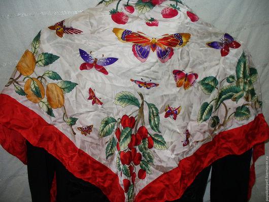 Винтажная одежда и аксессуары. Ярмарка Мастеров - ручная работа. Купить Платок Бабочки скидка 20%. Handmade. Комбинированный, ярко-красный