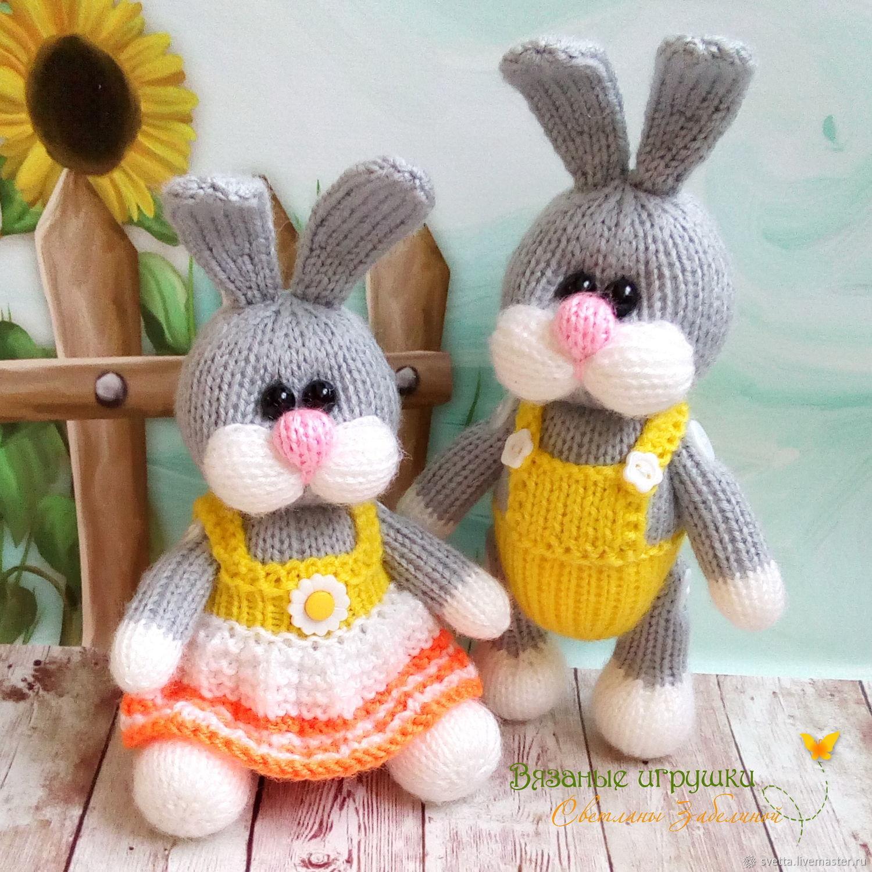 """Игрушки животные, ручной работы. Ярмарка Мастеров - ручная работа. Купить """"Зайчики"""" вязаные игрушки. Handmade. Кролик, вязаное платье"""