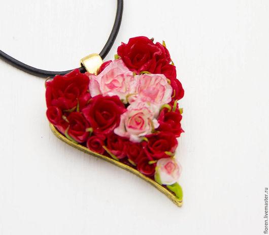 """Кулоны, подвески ручной работы. Ярмарка Мастеров - ручная работа. Купить Кулон """"Цветочное сердце"""". Handmade. Бордовый, красные розы"""