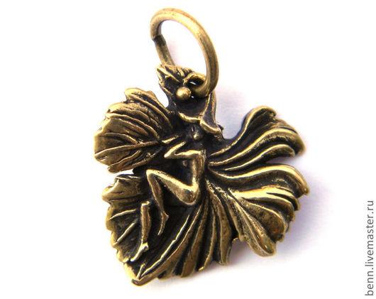 """Кулоны, подвески ручной работы. Ярмарка Мастеров - ручная работа. Купить Кулон """"Фея на листике"""". Handmade. Амулет, символ, женский"""