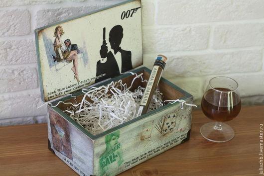 """Подарки для мужчин, ручной работы. Ярмарка Мастеров - ручная работа. Купить """"Меня зовут Бонд. Джемс Бонд"""", короб для сигар. Handmade."""