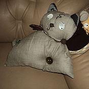 Для дома и интерьера ручной работы. Ярмарка Мастеров - ручная работа Диванная подушка Кошки-Мышки. Handmade.