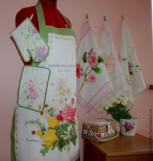"""Кухня ручной работы. Ярмарка Мастеров - ручная работа. Купить Кухонный комплект """"Летний сад"""" (фартук, полотенца, прихватки). Handmade."""