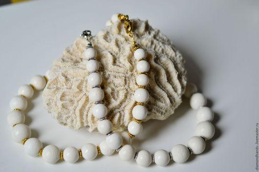 """Колье, бусы ручной работы. Ярмарка Мастеров - ручная работа. Купить Бусы из белого губчатого коралла """"Белоснежные рифы"""". Handmade."""