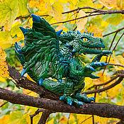 Куклы и игрушки ручной работы. Ярмарка Мастеров - ручная работа фигурка темно-зеленый лесной  дракончик. Handmade.