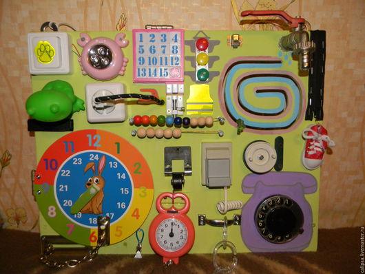 Развивающие игрушки ручной работы. Ярмарка Мастеров - ручная работа. Купить Развивающая доска. Бизиборд 4,6,7. Handmade.