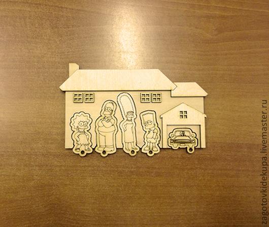 Ключница `Симпсоны`  Размер: 18х12 см  Материал: фанера 4 мм