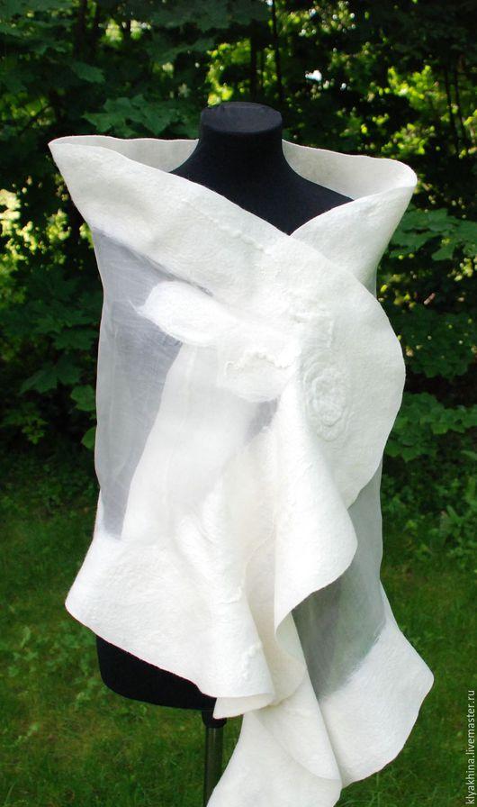 """Шали, палантины ручной работы. Ярмарка Мастеров - ручная работа. Купить """" Невеста"""" валяный палантин. Handmade. Белый"""