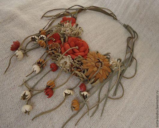 Колье, бусы ручной работы. Ярмарка Мастеров - ручная работа. Купить Колье кожаное с цветами арт.1-33. Handmade.