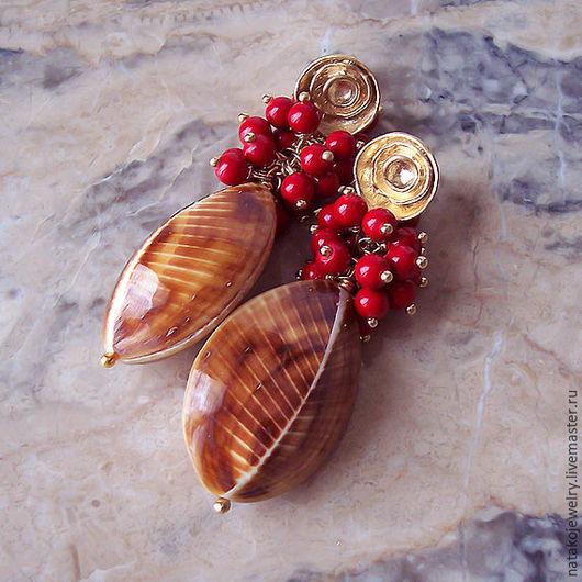 """Серьги ручной работы. Ярмарка Мастеров - ручная работа. Купить Серьги """"Осенние ягоды"""" морские раковины, коралл, позолота. Handmade."""