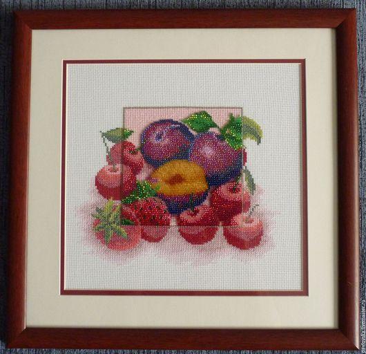 """Натюрморт ручной работы. Ярмарка Мастеров - ручная работа. Купить Вышитая картина """"Ягоды. Ассорти"""". Handmade. Разноцветный, вишня"""