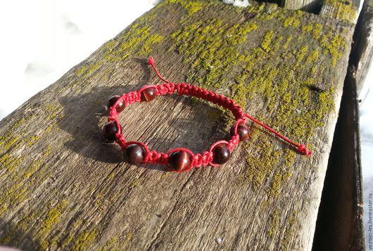 Оберег красный браслет