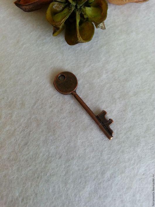 """Для украшений ручной работы. Ярмарка Мастеров - ручная работа. Купить Подвеска """"Ключ"""" медь. Handmade. Бордовый, подвеска, ключ"""