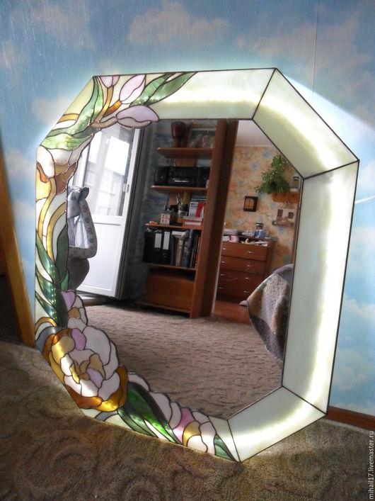 """Зеркала ручной работы. Ярмарка Мастеров - ручная работа. Купить зеркало """"Магнолия"""". Handmade. Комбинированный, зеркала, витражное стекло, магнолия"""