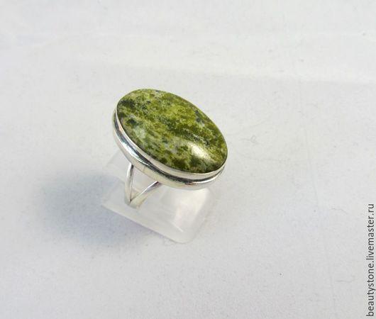 Кольца ручной работы. Ярмарка Мастеров - ручная работа. Купить Кольцо с  серпентином. Handmade. Зеленый, крупный камень, красивый перстень