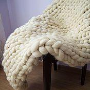 Для дома и интерьера ручной работы. Ярмарка Мастеров - ручная работа Плед из объемной пряжи. Handmade.