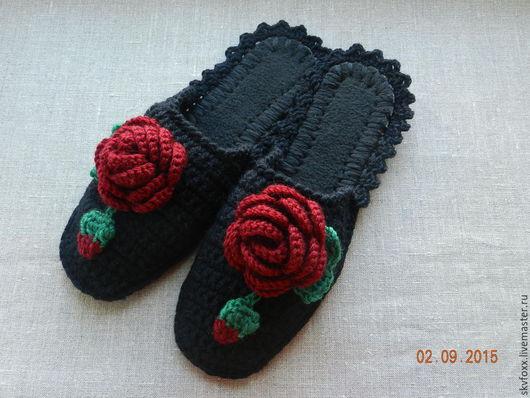 """Обувь ручной работы. Ярмарка Мастеров - ручная работа. Купить """"Бордовые розы"""" на черном, тапочки (подошва валяная). Handmade. Розы"""