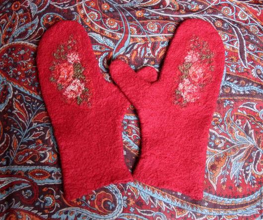 """Варежки, митенки, перчатки ручной работы. Ярмарка Мастеров - ручная работа. Купить Валяные варежки """"Карминки"""" из мериноса. Handmade. Бордовый"""