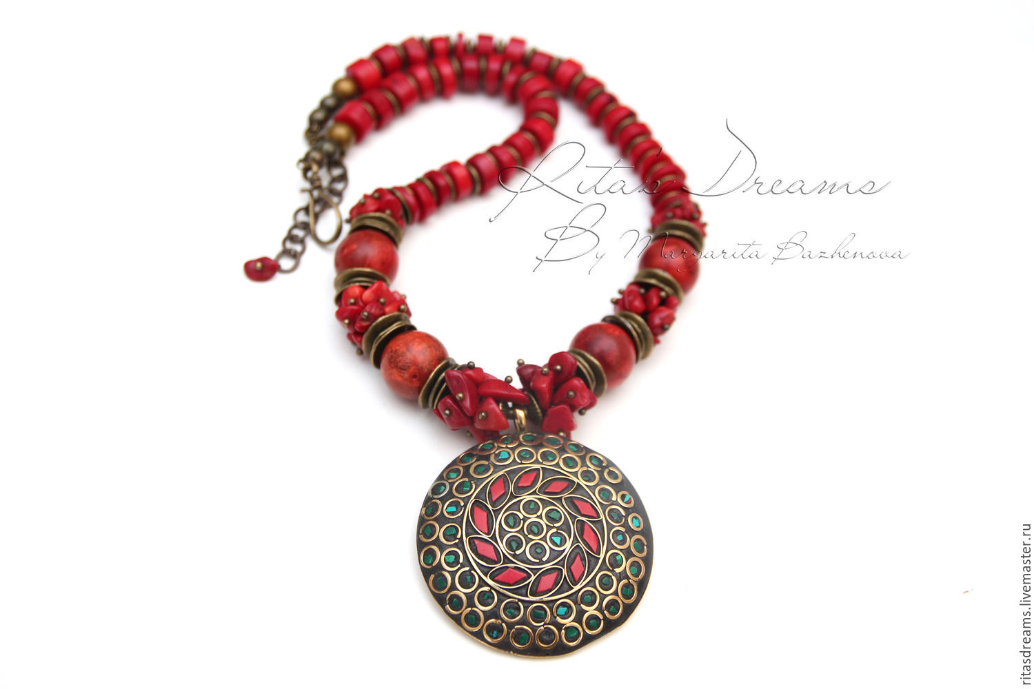 Spectacular large necklace of coral Tibetan pendant, inlaid with coral and malachite.