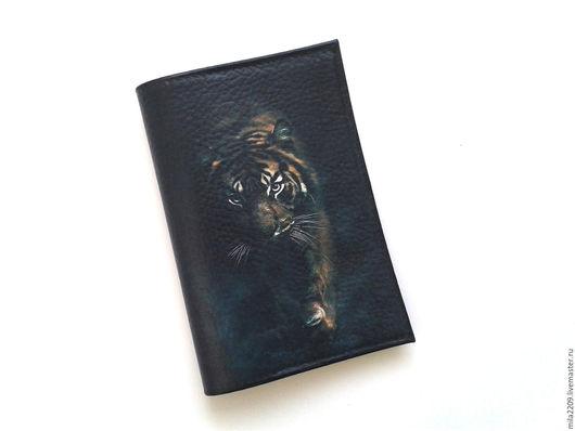 Обложки ручной работы. Ярмарка Мастеров - ручная работа. Купить Обложка на паспорт ТИГР. Обложка для паспорта. Подарок мужчине. Handmade.