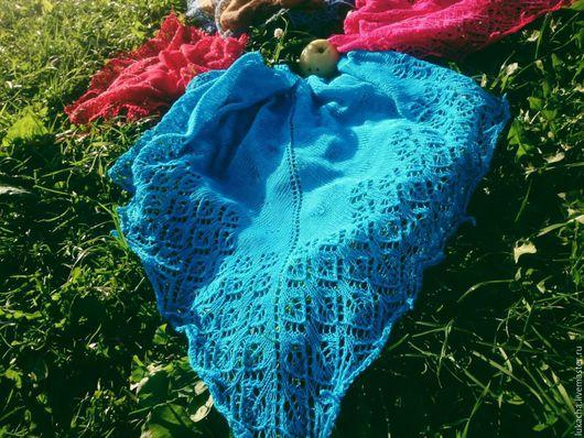 Шали, палантины ручной работы. Ярмарка Мастеров - ручная работа. Купить Шаль голубая. Handmade. Бирюзовый, шаль вязаная, бактус
