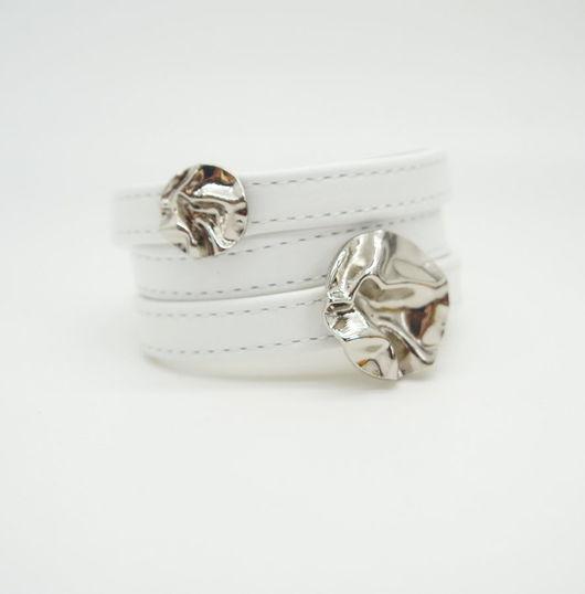 Браслеты ручной работы. Ярмарка Мастеров - ручная работа. Купить Белый кожаный браслет Цветы. Handmade. Белый, браслеты из кожи