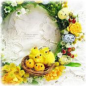 Подарки к праздникам ручной работы. Ярмарка Мастеров - ручная работа Пасхальный желтый веночек с цыплятами. Handmade.
