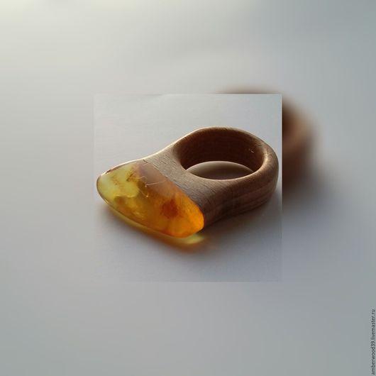 Кольца ручной работы. Ярмарка Мастеров - ручная работа. Купить Кольцо с янтарем. Handmade. Кольцо, кольцо деревянное, подарок девушке