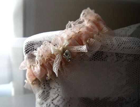 Одежда и аксессуары ручной работы. Ярмарка Мастеров - ручная работа. Купить Подвязка невесты. Handmade. Бежевый, аксессуары для свадьбы, фурнитура