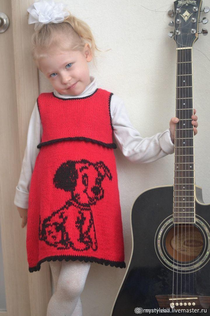 """Красное вязаное платье-сарафан на девочку """"Счастливый щенок"""", Платья, Богородск,  Фото №1"""