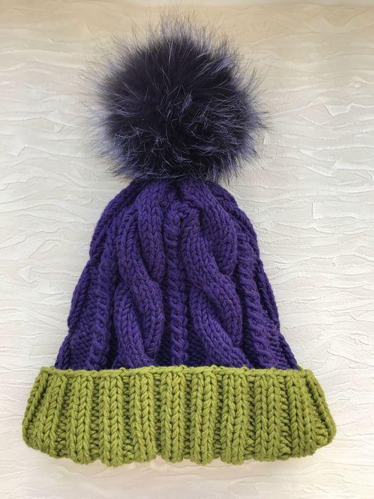Шапки ручной работы. Ярмарка Мастеров - ручная работа. Купить Женская шапочка из 100 % шерсти мериноса  с помпоном из меха. Handmade.