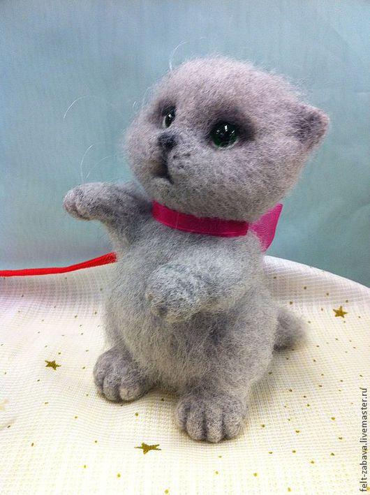 """Игрушки животные, ручной работы. Ярмарка Мастеров - ручная работа. Купить Игрушка валяная котик """" Фима"""". Handmade. Серый"""