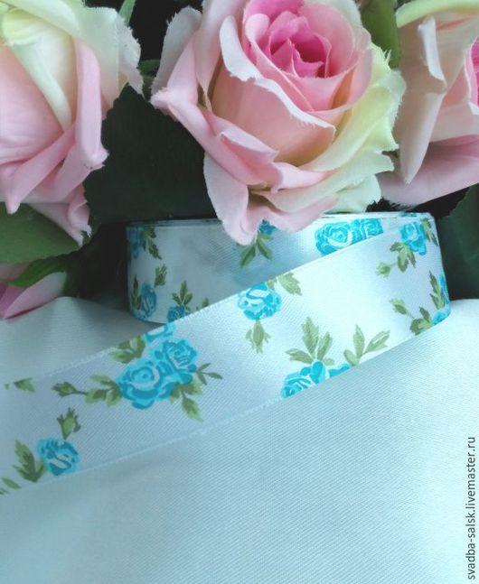 Шитье ручной работы. Ярмарка Мастеров - ручная работа. Купить Лента атласная белая  голубыми розами (25 мм). Handmade.