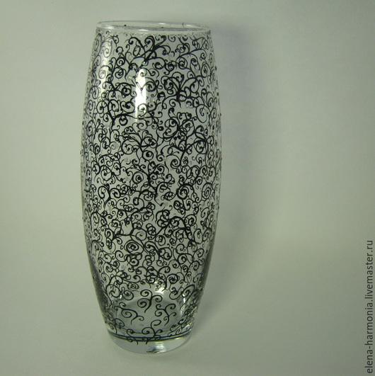 Эта стильная ваза в стиле модерн или в романтическом стиле? Ваза с чёрными спиралями ручная роспись. Другое название - ваза Пиковая дама. Купить, заказать вазу  http://www.livemaster.ru/elena-harmonia