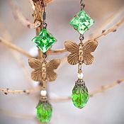 """Украшения ручной работы. Ярмарка Мастеров - ручная работа """"Ингрид"""" Яркие зеленые серьги с бабочками в винтажном стиле. Handmade."""