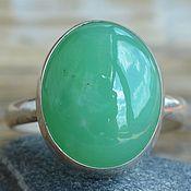 Кольцо с хризопразом, редкий цвет, серебро.