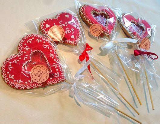 Кулинарные сувениры ручной работы. Ярмарка Мастеров - ручная работа. Купить Имбирное печенье на палочке к 14 февраля. Handmade.