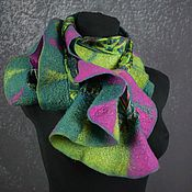 Аксессуары handmade. Livemaster - original item Tippet felted wool women`s fuchsia emerald green scarf. Handmade.
