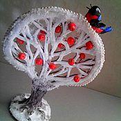 """Подарки к праздникам ручной работы. Ярмарка Мастеров - ручная работа новогоднее деревце """"Яблоки на снегу и снегирь"""". Handmade."""
