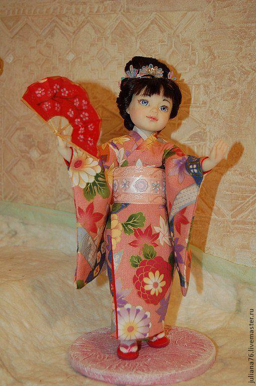 Куколки идут на выставку, позже можно будет приобрести девчат. О желании приобретения пишите, обговорим)